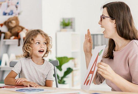 Как понять, что пора обратиться к детскому логопеду?