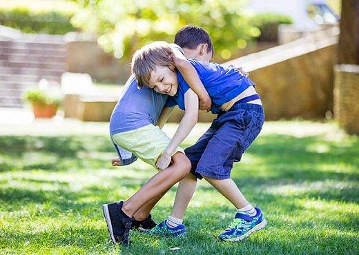 Ребенок проявляет агрессию: что делать?